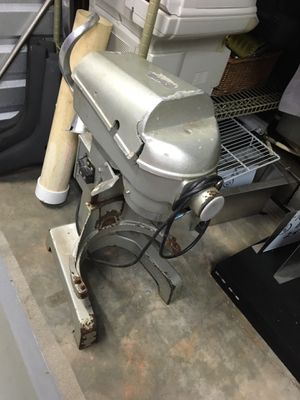 Heavy Duty Hobart Style Mixer 'as is' for Sale in Midlothian, VA