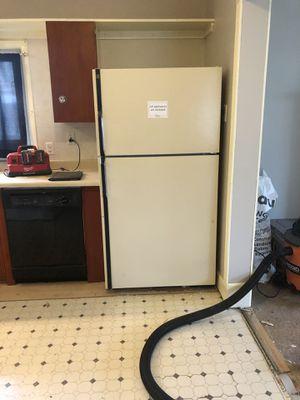 General Electric Refrigerator for Sale in Renton, WA