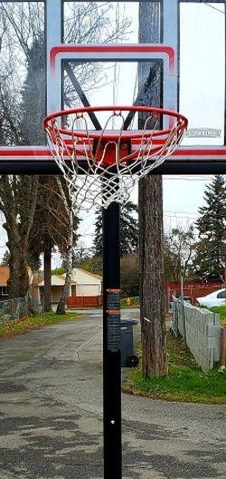 Basketball Hoop (Lifetime) for Sale in Tukwila,  WA