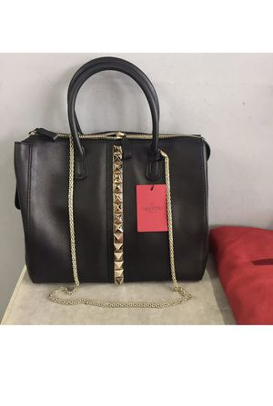 New Valentino Tote Rockstud Bag for Sale for sale  Queens, NY