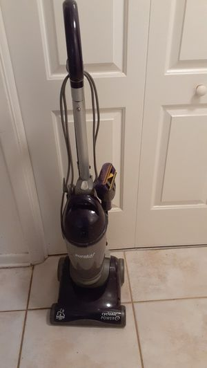 Eureka cyclonic power vacuum for Sale in Altamonte Springs, FL