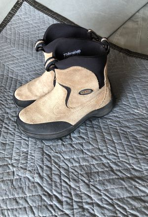 L L bean kids snow boots size 3 for Sale in Corona, CA