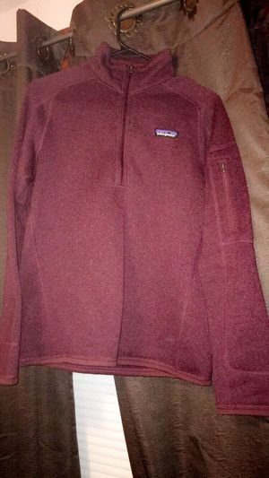 W's Patagonia Better Sweater 1/4 zip (maroon) for Sale in Swampscott, MA