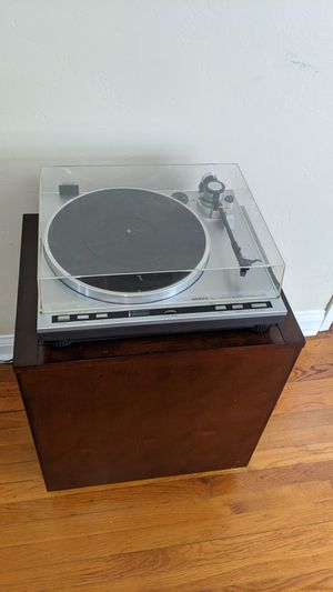 Turntable with stand, preamp, soundbar, and records for Sale in San Diego, CA