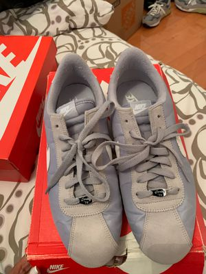 Gray Nike size 10 for Sale in Queens, NY