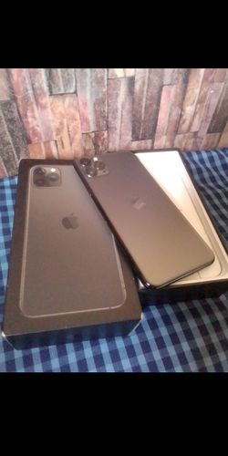 iPhone 11 pro max for Sale in Seattle,  WA