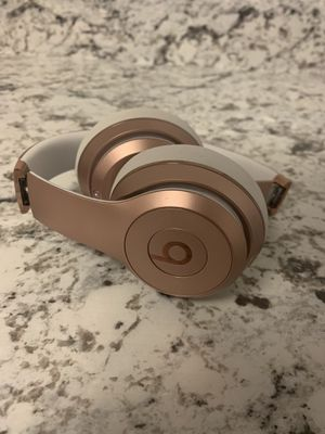 Beats solo 3 wireless rose gold for Sale in Richmond, VA
