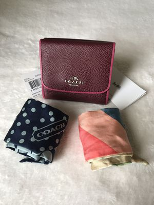 New With Tags Coach Wallet & FREE SCARVES for Sale in Melbourne, FL