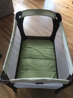 Braco Pack 'n Play with infant attachment for Sale in Alexandria, VA