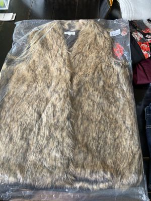 Grace and Lace NWT Faux Fur Vest. Large. for Sale in Woodinville, WA