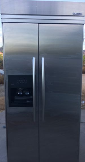 Refrigerator for sale (free delivery valley wide)😁👌 for Sale in Glendale, AZ