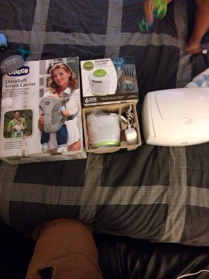 Infant baby Carrier And Prejecter for Sale in Bowie, MD