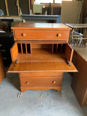 Matching vanity/dresser with secretary drawer dove tailed for Sale in Lakewood, CO