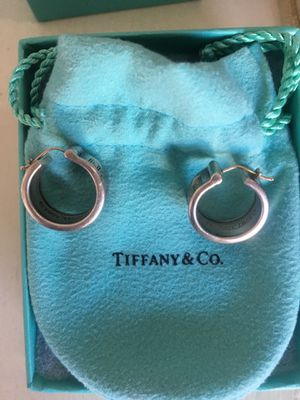 Tiffany and co earrings for Sale in Las Vegas, NV