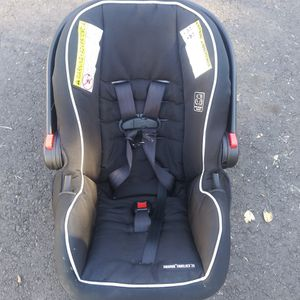 Graco Carseat With Base for Sale in Escondido, CA