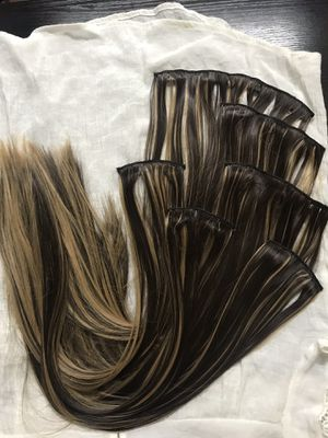 """26"""" 16 Clips hair extension clip in for Sale in Brooklyn, NY"""