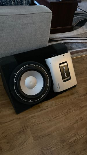 Car subwoofer and amp for Sale in Lutz, FL
