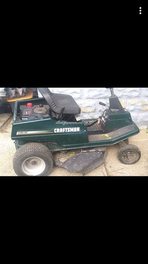 Craftsman lawnmower for Sale in Bellwood, IL
