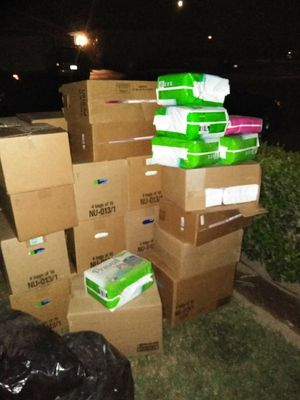 Pads and adult diapers for Sale in Fresno, CA