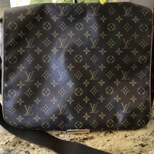 Louis Vuitton Abbesses Messenger Bag - Authentic for Sale in Waddell, AZ