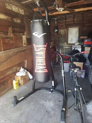 Everlast Speed & Heavy Bag Workout Set Up for Sale in Los Angeles, CA