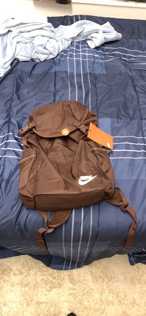 Nike backpack brown for Sale in Norman, OK