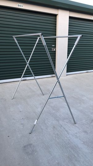 CLOTHES RACK for Sale in Selma, CA