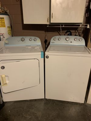 Whirlpool washer and dryer for Sale in Kissimmee, FL