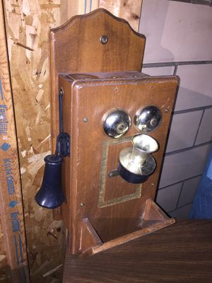 Antique Wall phone for Sale in Dayton, OH