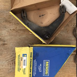 Control Arm Moog Pair for Sale in Houston, TX