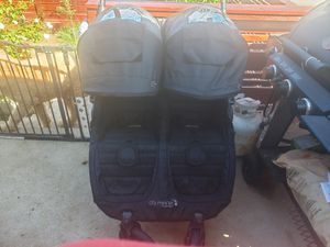 2 seat stroller for Sale in Lincoln Acres, CA