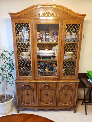 Hutch with glass shelves and plenty of storage, bottom shelves for Sale in Stockton, CA