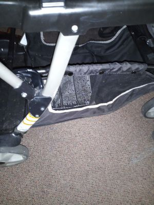 Graco double stroller for Sale in Greensburg, PA