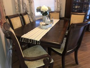 Dining table with 6 chairs for Sale in Fresno, CA