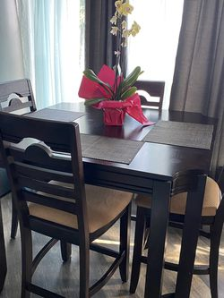 Ashley Furniture Extendable Dining Set With 6 Chairs for Sale in Bremerton,  WA