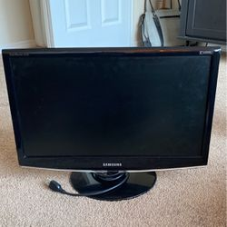 Samsung Computer Monitor for Sale in Gladstone,  OR