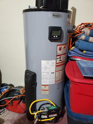 FREE WHIRLPOOL GAS WATER HEATER - WORKING CONDITION UNKOWN - STILL HAS WARRANTY WITH WHIRLPOOL. for Sale in Miami, FL