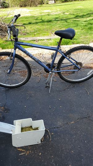 """20"""" Raleigh mountain bike for Sale in Levittown, PA"""