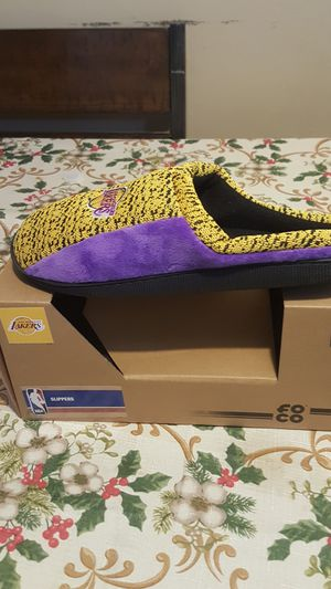 Lakers slippers sz 9 10 for Sale in South Gate, CA