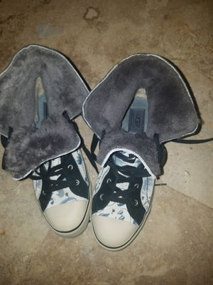 Uggs fur converse style shoes for Sale in Coral Gables, FL