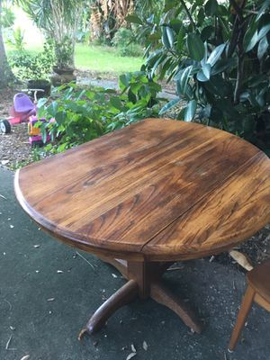 Solid wood table for Sale in Gulfport, FL