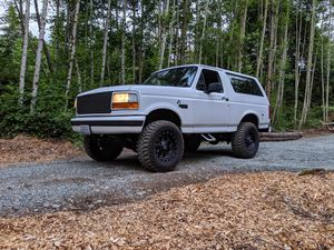 1995 Ford Bronco V8 4x4 for Sale in Marysville, WA