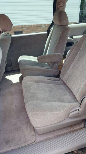 MPV (NOT SALVAGED, Full Size Mazda Mini Van) 2001 Mazda, Private Seller for Sale in Miami, FL