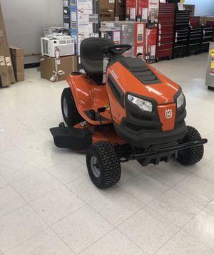 Husqvarna YTH18542 18.5-HP Hydrostatic 42-in Riding Lawn Mower Model # 960450059 for Sale in Lexington, KY