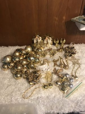 BEAUTIFUL CHRISTMAS ORNAMENTS for Sale in Garden Grove, CA