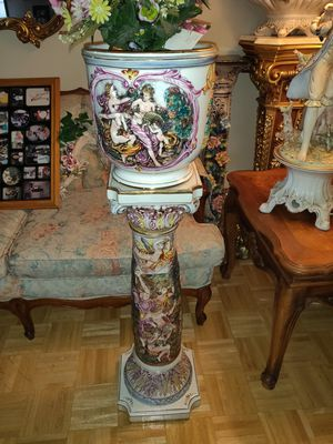 Vintage Capodimonte Vase and pedestal for Sale in San Diego, CA