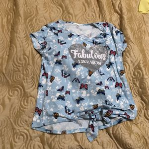 "New Summer Shirt With Logo ""Fabulous Like Mom"" for Sale in Federal Way, WA"