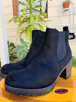 Black boots, size 9 for Sale in Long Beach, CA