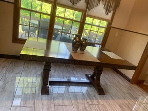 Nice like brand new brown table seats 6 chairs for Sale in Broadview Heights, OH