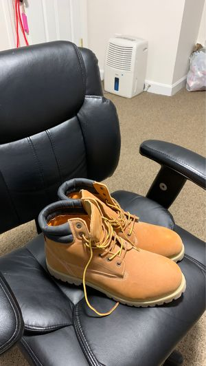 Levi waterproof and steel toe work boots (13) for Sale in Revere, MA